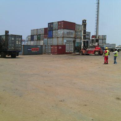 Au port (9)